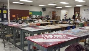 Even at the end of a school day, Sheldon Richards' classroom set up shows the differences between art courses and traditional classrooms. The push to standardize all public school classes in the U.S. began in 2009. ( Jaclyn Younger / CJ 275_001)
